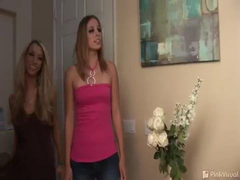 Alexa Benson & Sammie Rhodes