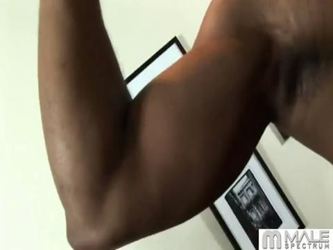 Hot Muscle Dudes gay muscle video