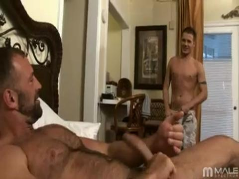 Luke Riley, Parker Williams gay mobile porn video from iMale Spectrum Pass