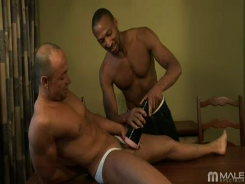 Jordano Bruni gay muscle video from Hot Muscle Dudes